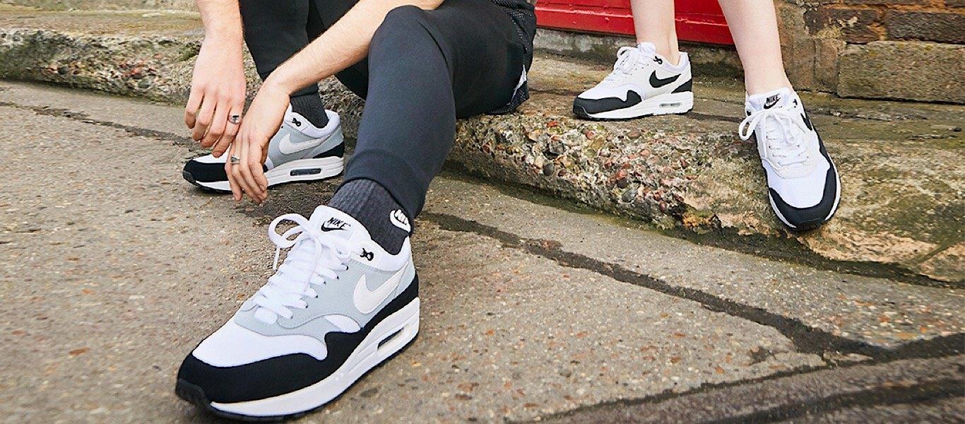 Black/Grey Nike Air Max 1