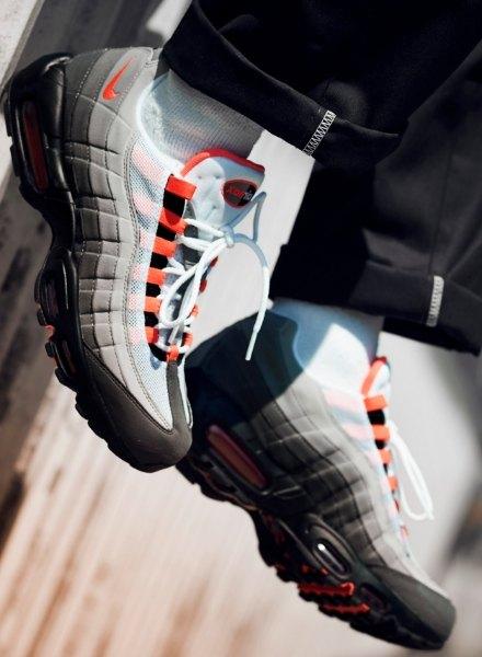 Air Max 95 OG Solar Red Nike