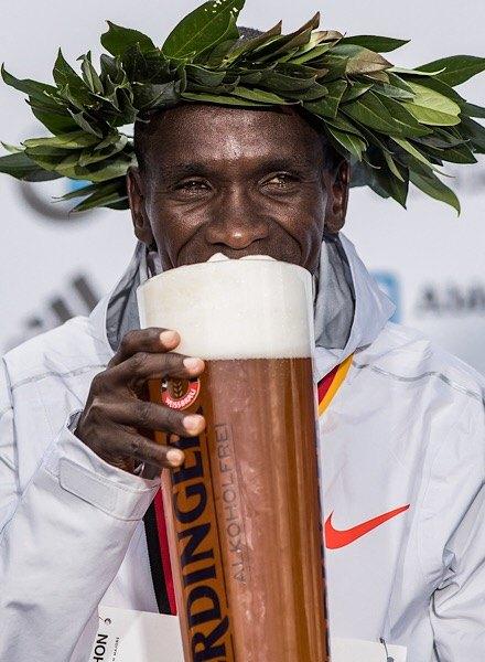 Berlin Marathon 2018 winner enjoys beer