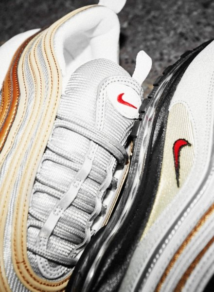 close up of air max 97